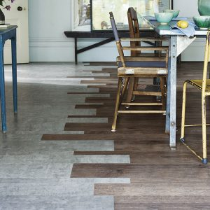 Amtico-Signature_Exposed-Concrete-and-Fumed-Oak-in-Random-Plank-Laying-Pattern