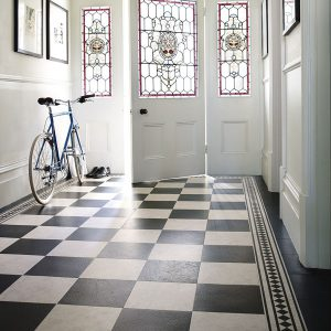 Amtico-Signature_Mirabelle-Creme-and-Slate-Noire-in-Checker-Board-Laying-Pattern